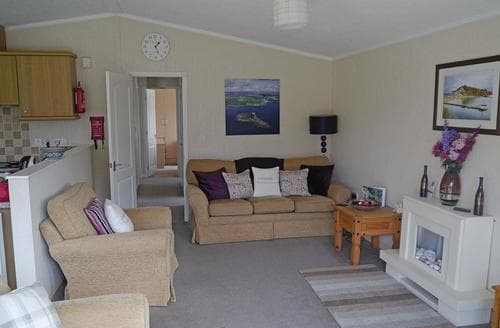 Last Minute Cottages - Attractive Tintagel Lodge S110789