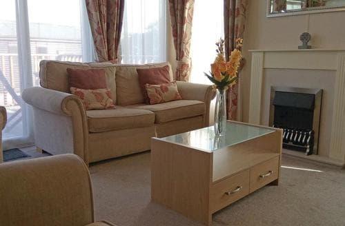 Last Minute Cottages - Delightful Tintagel Lodge S111047