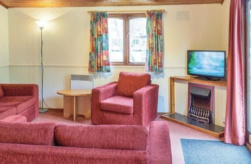 Last Minute Cottages - Lovely Warmwell Lodge S111079