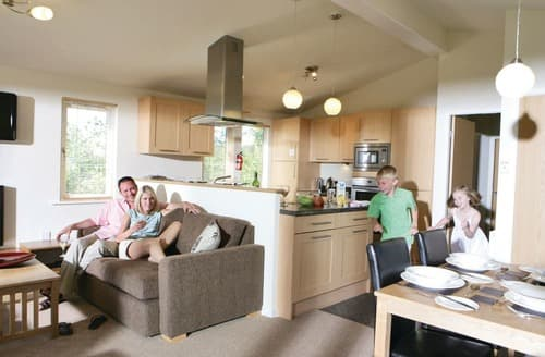 Last Minute Cottages - Cosy Rock Lodge S111083