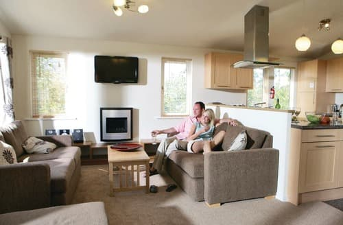 Last Minute Cottages - Stunning Rock Lodge S111105