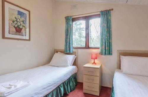 Last Minute Cottages - Superb Warmwell Lodge S111121