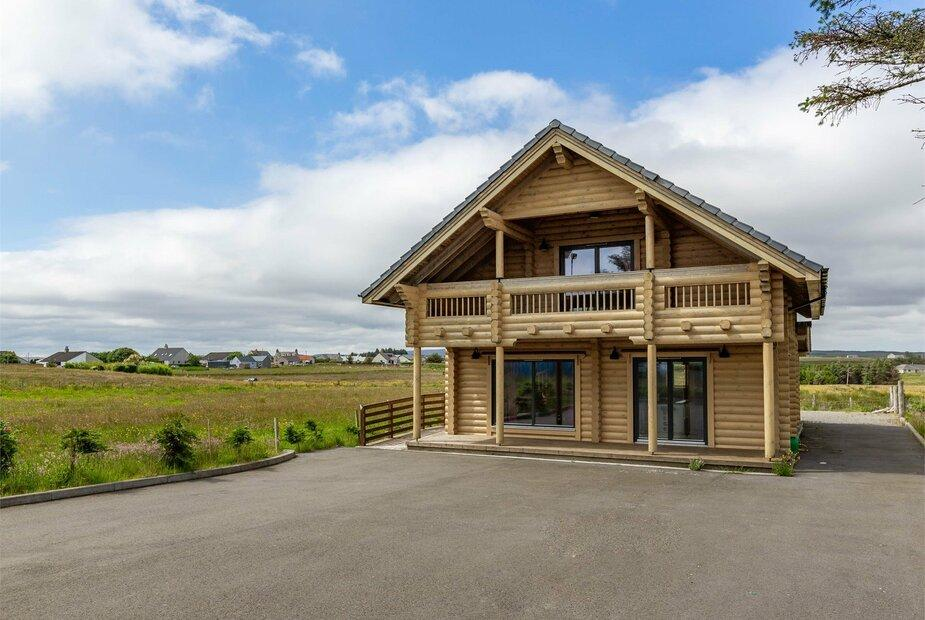 - Log Cabin in Outer Hebrides