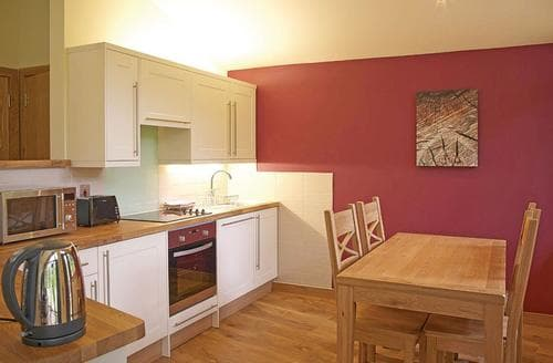 Last Minute Cottages - Cosy Sherwood Forest Lodge S111395