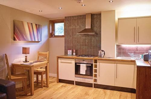 Last Minute Cottages - Stunning Sherwood Forest Lodge S111404
