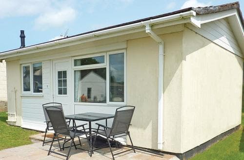 Last Minute Cottages - Inviting Nr St Austell Lodge S111496