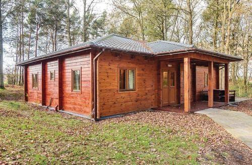 Last Minute Cottages - Exquisite Ellesmere Lodge S111503