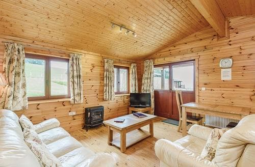 Last Minute Cottages - Beautiful Llandinam Lodge S111538