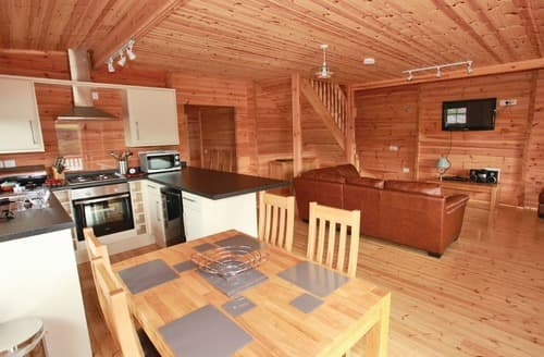 Last Minute Cottages - Splendid Llanrhystud Lodge S111556