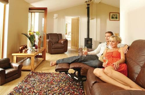 Last Minute Cottages - Wonderful Cartmel Lodge S111578