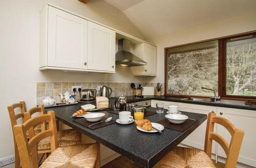 Last Minute Cottages - Gorgeous Whitebridge Lodge S111582