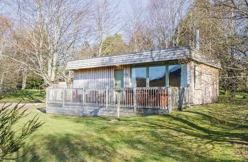Last Minute Cottages - Beautiful Whitebridge Lodge S111588