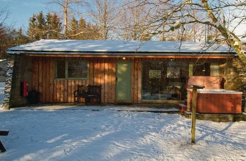 Last Minute Cottages - Cosy Whitebridge Lodge S111594