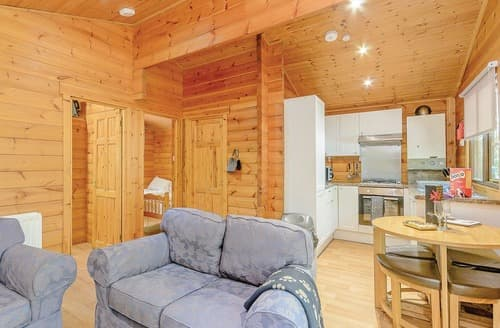 Last Minute Cottages - Stunning Sherwood Forest Lodge S111732