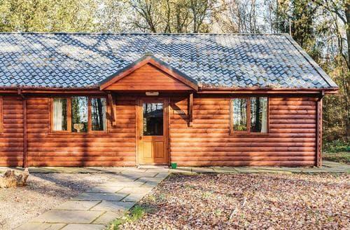 Last Minute Cottages - Attractive Ellesmere Lodge S111807