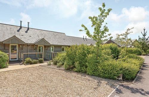 Last Minute Cottages - Exquisite Cricket St Thomas Lodge S111809