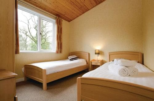 Last Minute Cottages - Roadford Lodge