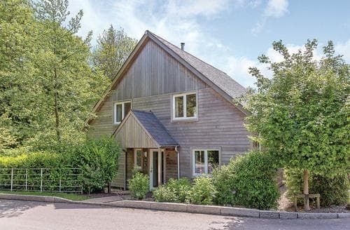 Last Minute Cottages - Goldenhaye Lodge