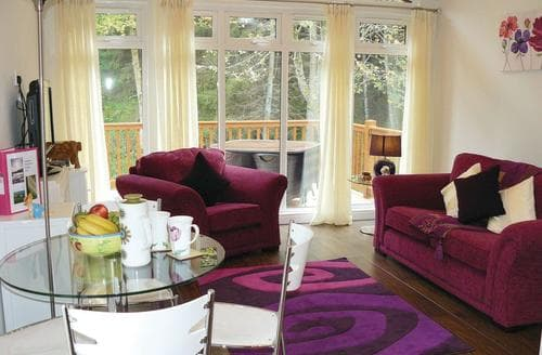 Last Minute Cottages - Stunning Cottonhopesburnfoot Lodge S111830