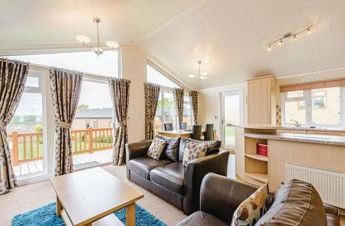 Last Minute Cottages - Captivating Battle Lodge S111833