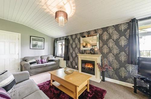 Last Minute Cottages - Exquisite Cotswolds Lodge S111876