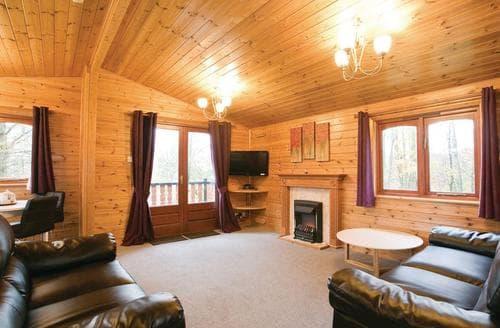 Last Minute Cottages - Captivating Battle Lodge S111945