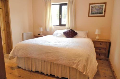 Last Minute Cottages - Superb Bleddfa Lodge S111960