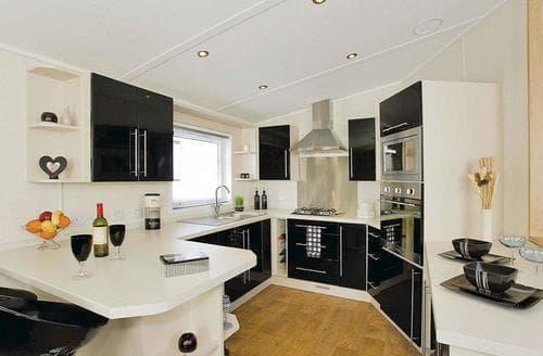 Big Cottages - Tasteful Alva Lodge S111976