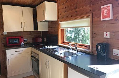 Last Minute Cottages - Finch Lodge