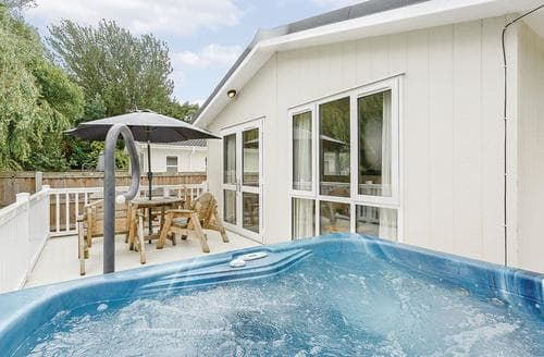 Last Minute Cottages - Beautiful Talacre Lodge S111984