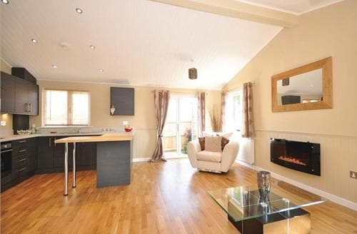 Last Minute Cottages - Splendid Chiddingly Lodge S112226