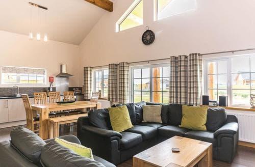 Last Minute Cottages - Luxury Hornsea Lodge S112233