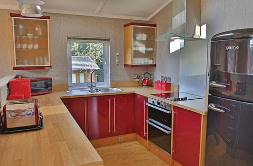Last Minute Cottages - Becton Lodge 3 Plus