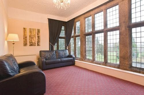 Last Minute Cottages - Cosy St Tudy Lodge S112255