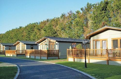 Last Minute Cottages - Stunning Littlehampton Lodge S112269
