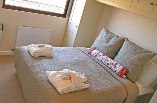 Last Minute Cottages - Luxury Weston On Trent Lodge S112289