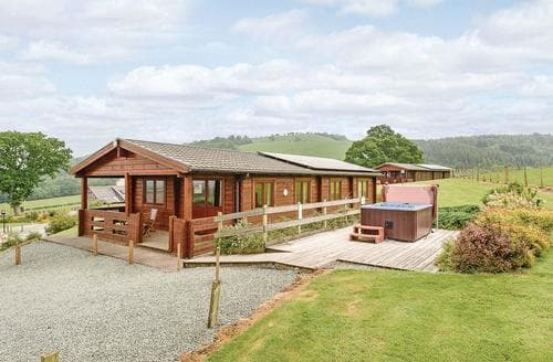 Last Minute Cottages - Stunning Llandinam Lodge S112291