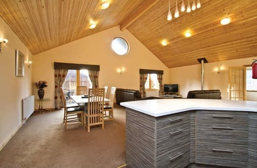 Big Cottages - Captivating Fowlis Lodge S112297