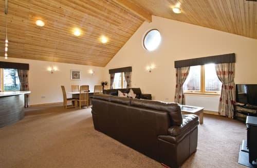 Big Cottages - Luxury Fowlis Lodge S112299