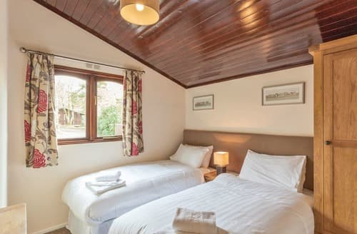 Last Minute Cottages - Osmington 3 Bed Lodge