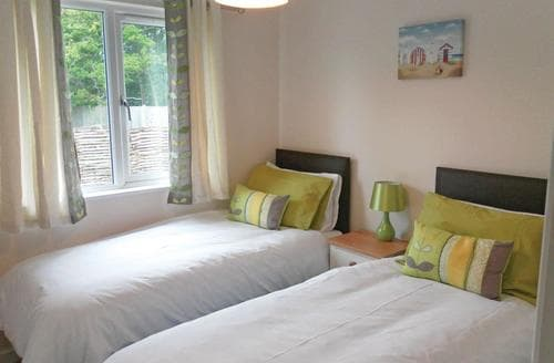 Last Minute Cottages - Beautiful Chiddingly Lodge S112341