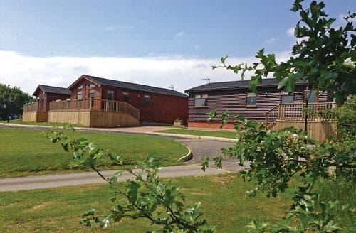 Last Minute Cottages - Inviting Weston On Trent Lodge S112353