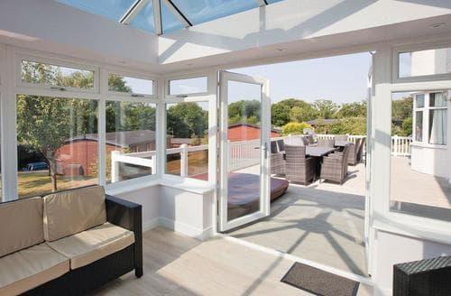 Big Cottages - Wonderful Milford On Sea Lodge S112367