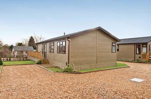 Last Minute Cottages - Quaint Overseal Lodge S112371