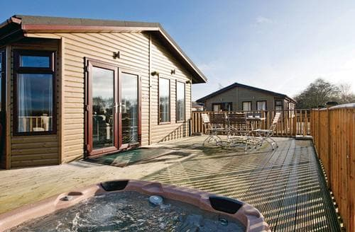 Big Cottages - Stunning Overseal Lodge S112373