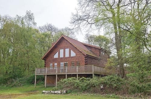 Big Cottages - Captivating Edwinstowe Lodge S112391