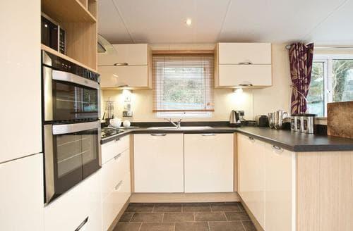 Last Minute Cottages - Excellent Mullion Cove Lodge S112409