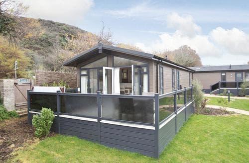 Last Minute Cottages - Luxury Mullion Cove Lodge S112416