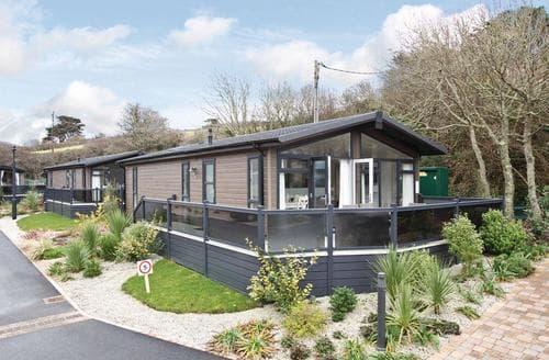 Big Cottages - Gorgeous Mullion Cove Lodge S112421