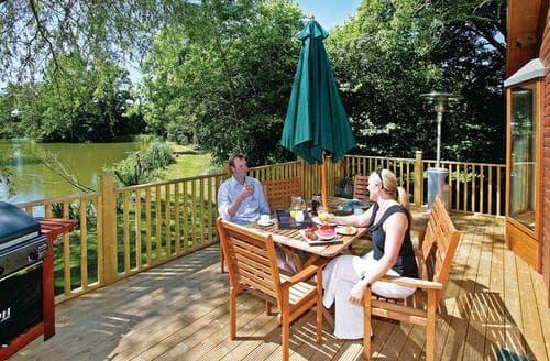 Last Minute Cottages - Wonderful Cullompton Lodge S112446